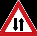 علائم راهنمایی و رانندگی اخطاری- جاده دو طرفه